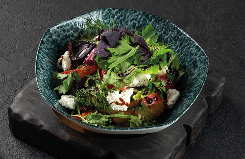 Салаты с доставкой из ресторана Токио Сити в Москве: заказать салат на дом по низкой цене